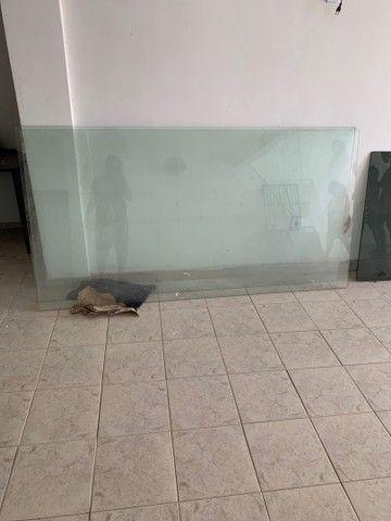 Dois vidros para vitrines  ou etc valor R$ 700,00 - Foto 3