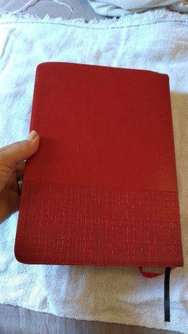 Bíblia de estudo para casais USADA sem nenhuma anotação. - Foto 3