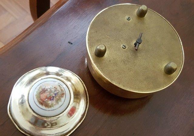 Antiga caixa de música e porta joia Anos 1950  - Foto 4