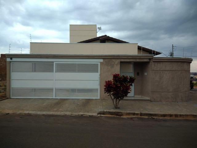 Casa em Araxá no bairro Solaris