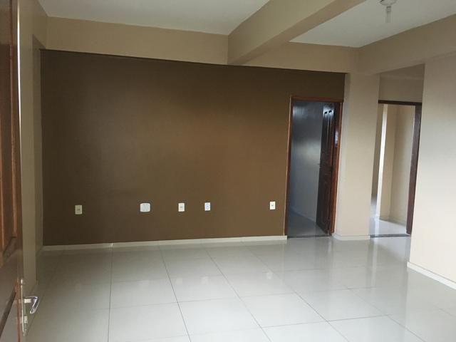 Alugo amplo apartamento