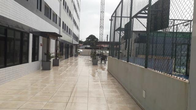 Prédio localizado a 100 m da Avenida Fernandes Lima Enfrente ao Quartel - Foto 4