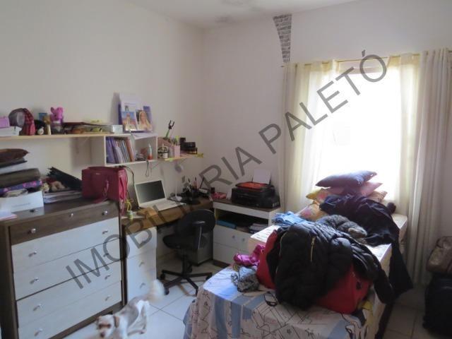 REF 163 Casa 4 dormitórios, excelente localização - Foto 4