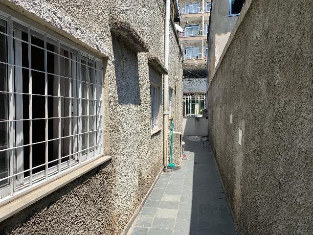 Ótima Casa Olaria Frente de Rua com Terraço e Anexo nos Fundos - Foto 6