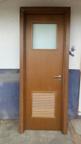 Porta de Madeira vidro / veneziana - Foto 2