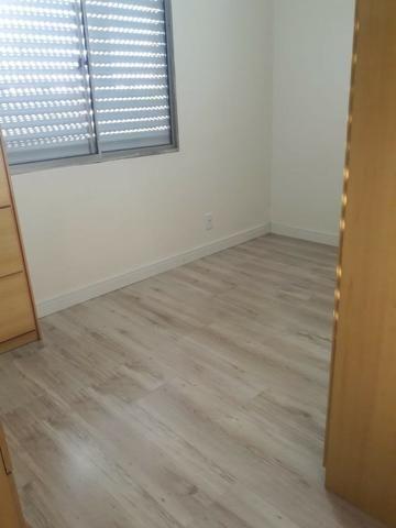 Apartamento 2 dormitórios semi mobiliado com vaga de estacionamento - Foto 4