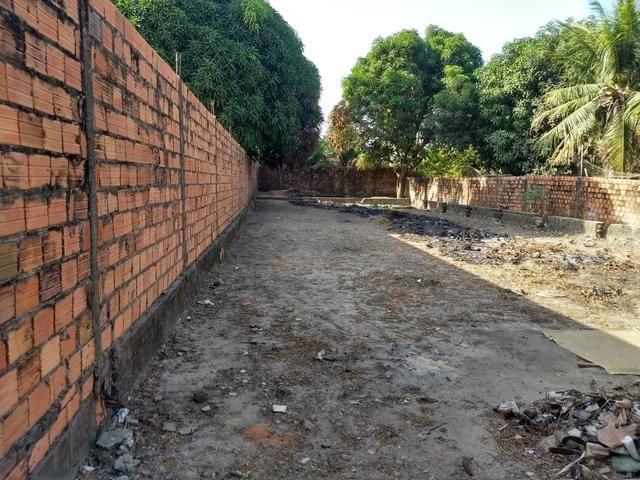 Vendo terreno 12 x 40 com alicerces, todo murado - Foto 3