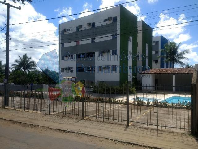 Apartamento com piscina e playground em Abreu e Lima