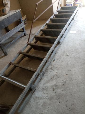Escada 400 - Foto 2