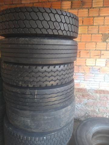10 pneus 295 com câmera - Foto 4