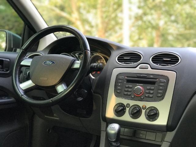 Ford Focus 1.6 gl 4P - Foto 4