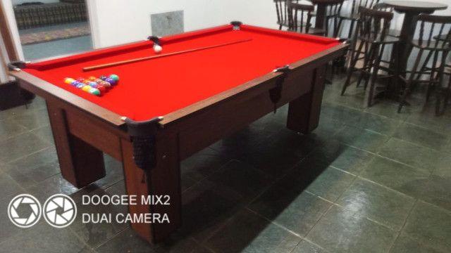 Mesa Charme de Bilhar Cor Imbuia Tecido Vermelho Mod. XMKW5418
