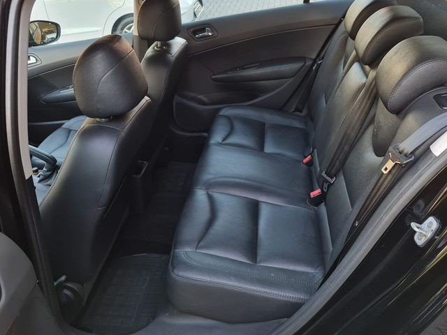 PEUGEOT 408 Sedan Allure 2.0 Flex 16V 4p Mec. - Foto 14