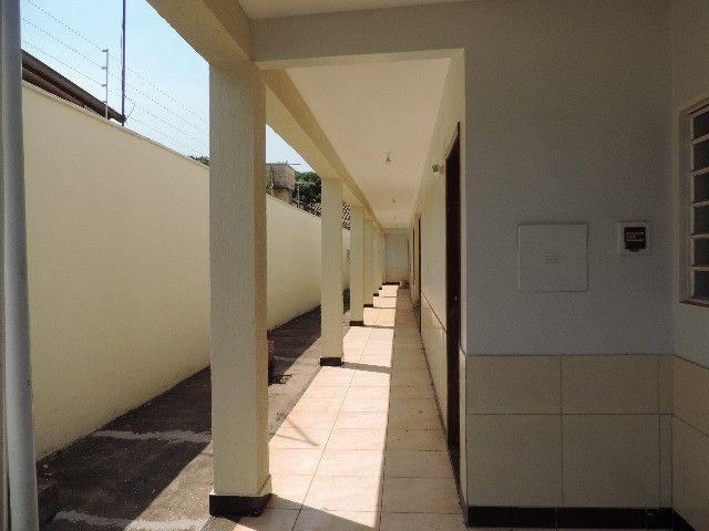 Alugo Quitinete de 1 quarto com garagem, Jardim da Luz, Goiânia - Foto 3
