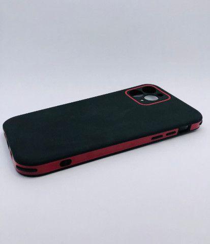 Case / Capinha simples lisa iPhone 11 Pro Max (Aceito cartão) - Foto 6