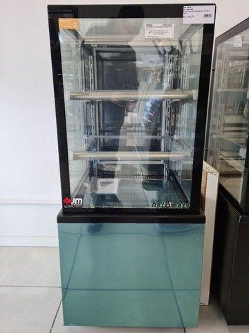 Confeitaria refrigerada- vendedor Dheyson Paulo