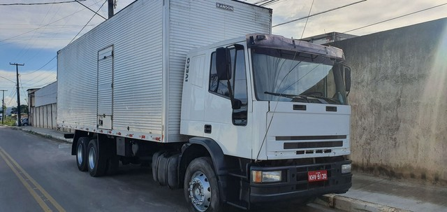 iveco euro cargo 2010  120 mil 110 no chassis - Foto 2