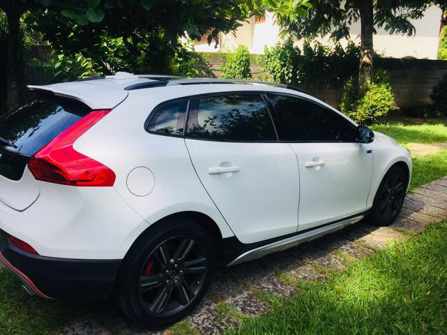 volvo v40 t 5 cross country 2 0 awd aut 2014 450907893 olx. Black Bedroom Furniture Sets. Home Design Ideas