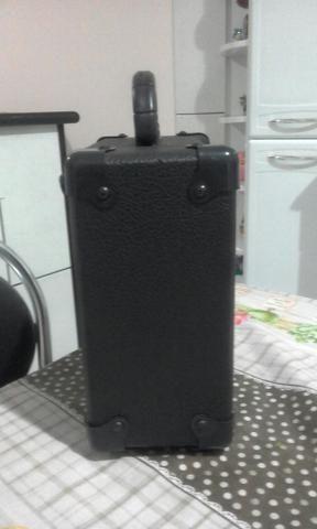 Vendo uma caixa amplificada, mais um cabo de 2,5m 110.00 - Foto 3