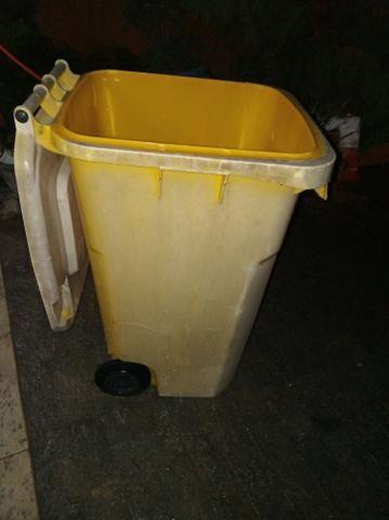 Lixeira plástica 240 litros - Foto 3