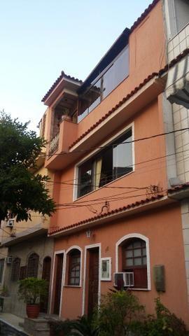 Alugo casa de Vila no Engenho Novo. Vila tranquila e familiar