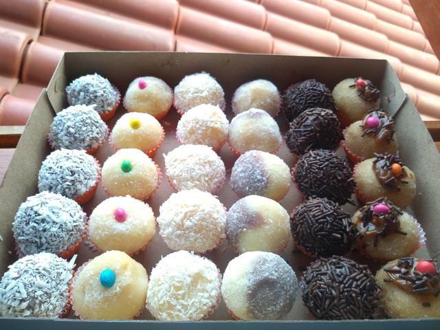 Cx com 30 doces da melhor qualidade