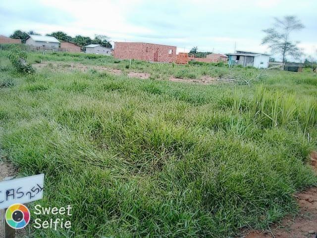Vende-se um terreno localizado no VILA ACRE