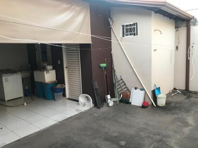 Casa com churrasqueira,cozinha planejada em terreno de 200m2 - Foto 14