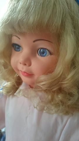 Linda boneca Amiguinha