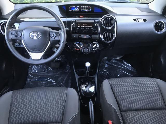 Etios XS 1.5 Sedan 2017/2018 Automático - Foto 8