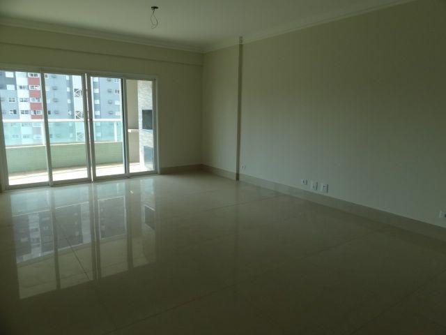 8047 | Apartamento para alugar com 4 quartos em NOVO CENTRO, MARINGÁ - Foto 7