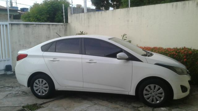 Vendo HB20s 1.6 confort plus 2015