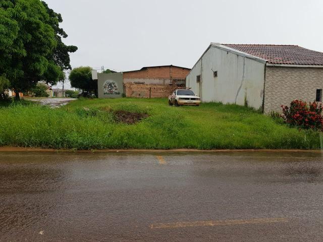 Terreno de canto e bem localizado - Foto 2