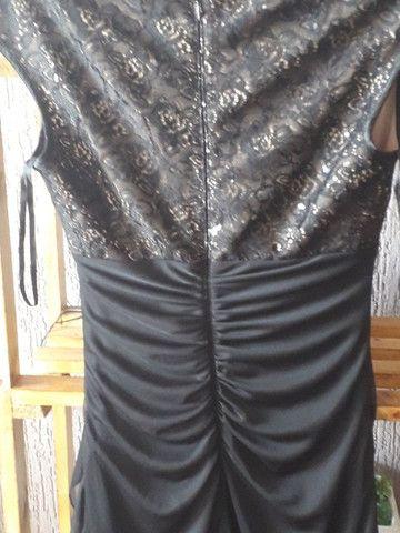 Vestido preto tubinho, com bojo e detalhe do lado, usado uma vez 40 - Foto 2