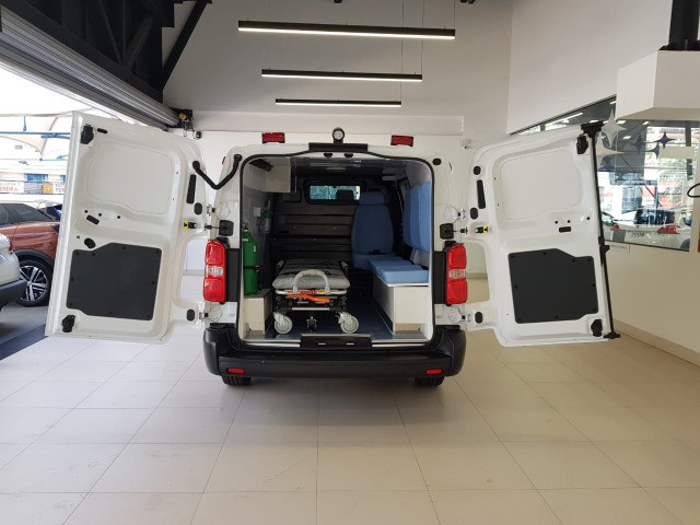 Ambulância Peugeot Expert - Foto 11