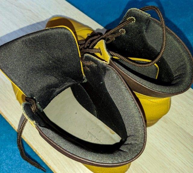 bota de couro cano médio - Foto 3