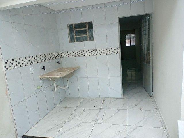 Vendo casa na rua Clara Nunes, próximo ao caic - Foto 6