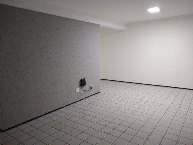 Apartamento 3 quartos 2 suítes com vaga coberta no Cocó - Foto 5
