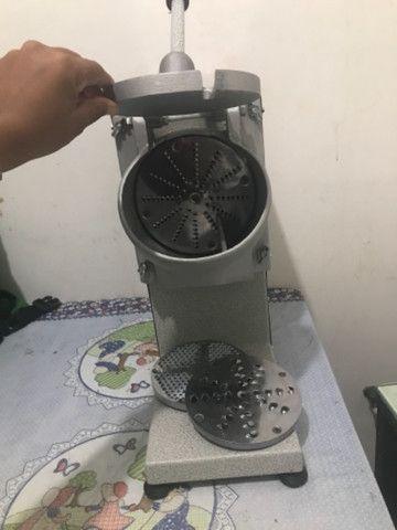 Triturador de Coco e Queijo Industrial Bivolt - JL Colombo