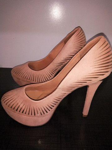 Sapato Scarpin Camurça Beje/Dourado