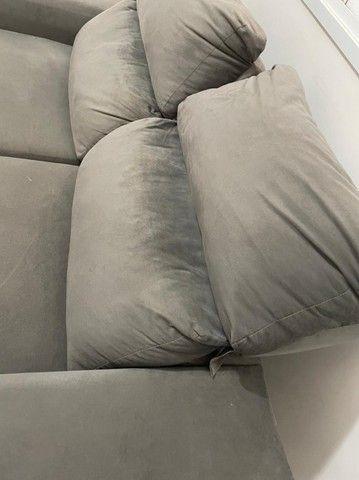Sofá semi novo cinza  - Foto 2
