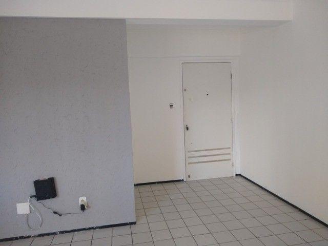 Apartamento 3 quartos 2 suítes com vaga coberta no Cocó - Foto 3