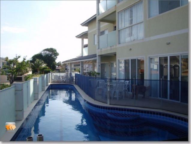 Casa 4 suítes 2 com closet 4 vagas piscina condomínio em Piatã