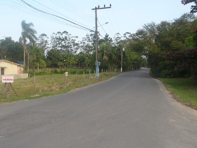 Lindo terreno de esquina, perto da lagoa, amplo, frente asfaltada - Foto 5