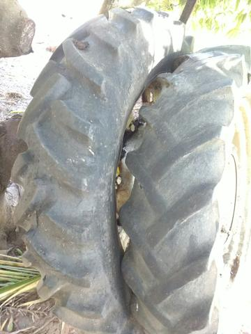 Barbada - 2 Pneus 12.4-36 para Trator