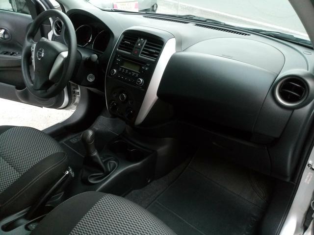 Nissan Versa 1.6 Completo Rodas 9.700KM! Troco Financio - Foto 11