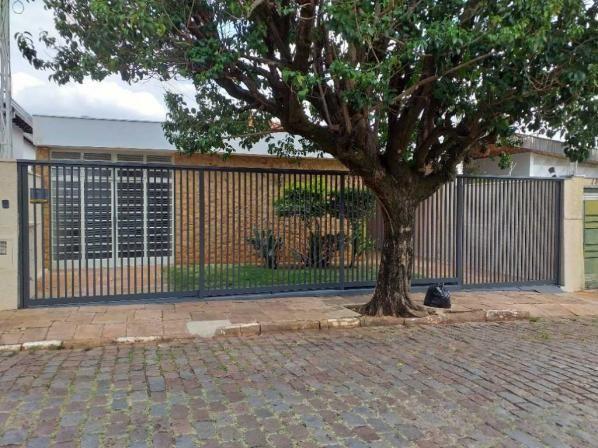 Casas de 3 dormitório(s) no Centro em Araraquara cod: 3078
