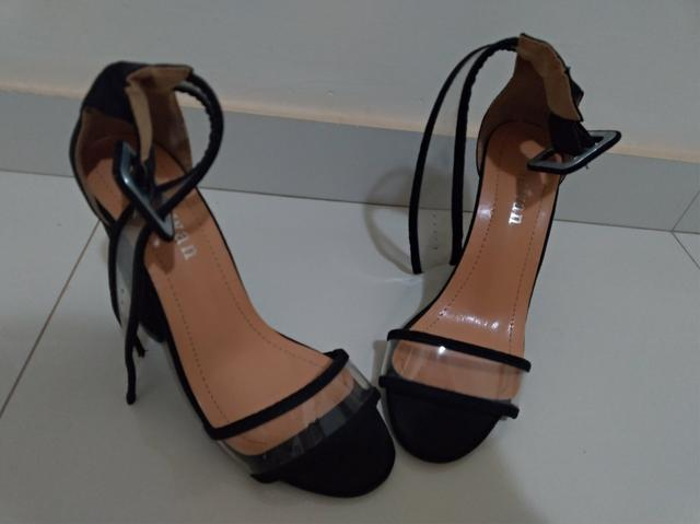 Sandália Salto alto tamanho 36 super nova