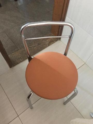 Mesa Redonda de Vidro com 2 cadeiras - Foto 5