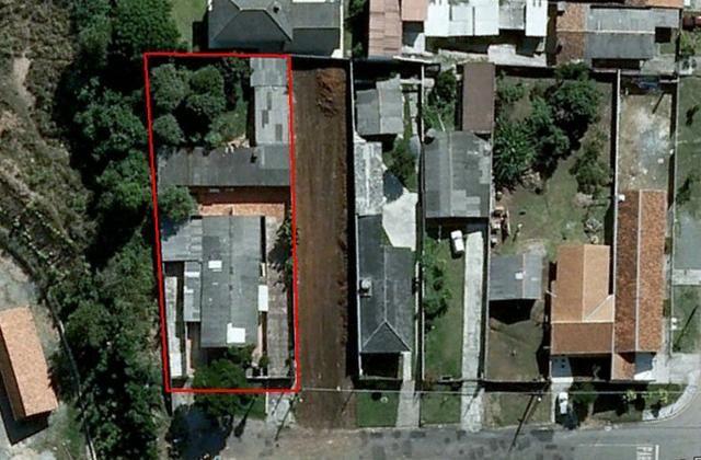 Terreno com 1100 m² contendo 3 residencias em alvenaria oferta ótimo investimento